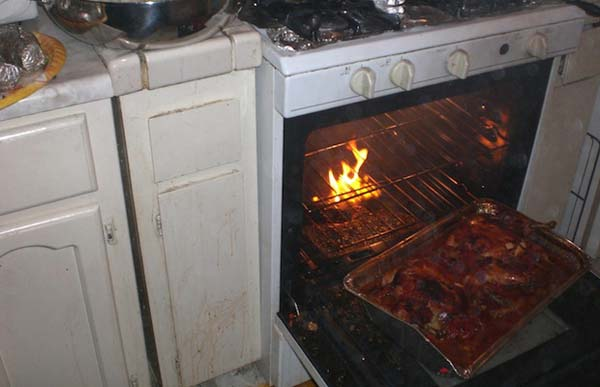 These 21 People Failed So Hard At Cooking They Should Be Banned From The Kitchen. OMG.