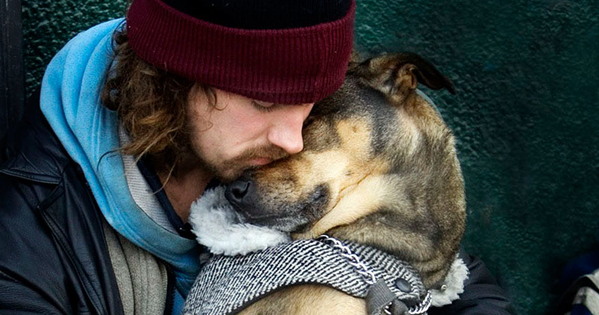 Dogs Don't Judge Their Humans For Anything, Even Being Homeless. So Touching.
