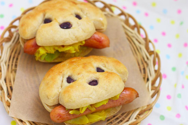"12. <a href=""http://taste-of-japan.blogspot.com/2012/03/hot-dogs.html"" target=""_blank"">Hot Doggies</a>"