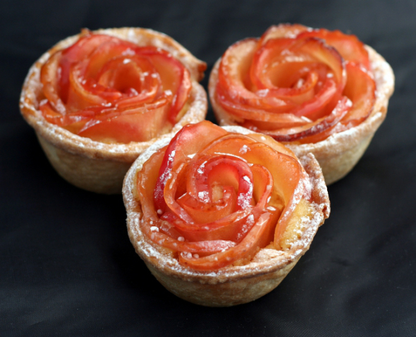 "16. <a href=""http://timetocookonline.com/2011/08/25/apple-rose-tarts/"" target=""_blank"">Apple Rose Tarts</a>"